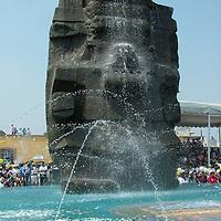 Texcoco, Mex.- Una replica del monolito de Tlaloc (dios de la lluvia) fue develada en la plaza de la comunidad de Coatlinchan, lugar donde fue encontrado el monolito original y trasladado el 16 de abril de 1964 a la ciudad de México con el apoyo del ejercito ante la negativa de los habitantes. Agencia MVT / Jose Israel Nuñez. (DIGITAL)<br /> <br /> <br /> <br /> <br /> <br /> <br /> <br /> NO ARCHIVAR - NO ARCHIVE