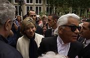 Susan Gutfreund and Karl Largerfeld. Chanel Haute Couture. Lycee Buffon. Paris. 10 July 2001. © Copyright Photograph by Dafydd Jones 66 Stockwell Park Rd. London SW9 0DA Tel 020 7733 0108 www.dafjones.com