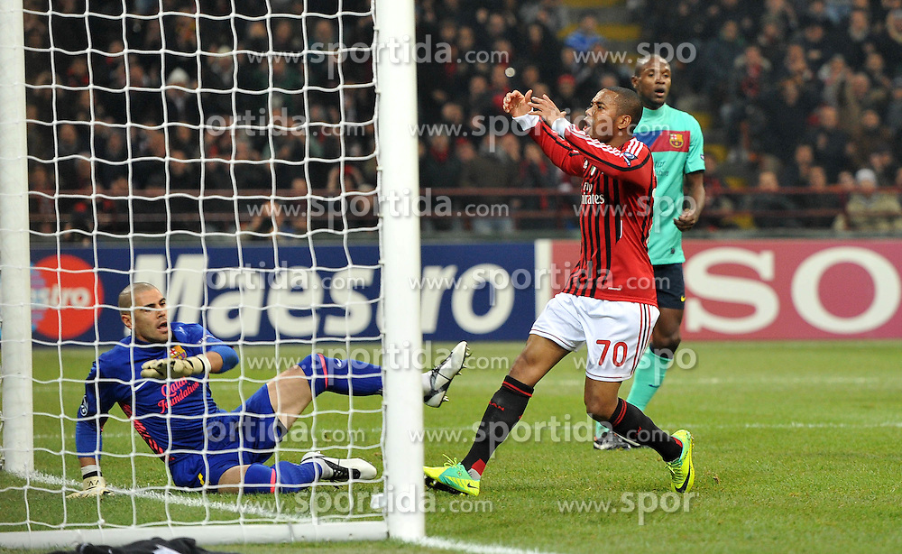 23.11.2011, Giuseppe Meazza Stadion, Mailand, ITA, UEFA CL, Gruppe H, AC Mailand (ITA) vs FC Barcelona (ESP), im Bild delusione ROBINHO (Milan) // during the football match of UEFA Champions league, group H, between Gruppe H, AC Mailand (ITA) and FC Barcelona (ESP) at Giuseppe Meazza Stadium, Milan, Italy on 2011/11/23. EXPA Pictures © 2011, PhotoCredit: EXPA/ Insidefoto/ Alessandro Sabattini..***** ATTENTION - for AUT, SLO, CRO, SRB, SUI and SWE only *****