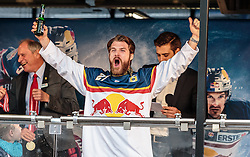 15.04.2016, Kapitelplatz, Salzburg, AUT, EBEL, Meisterfeier EC Red Bull Salzburg, im Bild Brett Sterling (EC Red Bull Salzburg) // Brett Sterling (EC Red Bull Salzburg) during the Erste Bank Icehockey Liga Championships Party of EC Red Bull Salzburg at the Kapitelplatz in Salzburg, Austria on 2016/04/15. EXPA Pictures © 2016, PhotoCredit: EXPA/ JFK