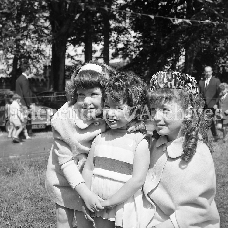 3 sisters who attended the Manreasa House, horse show in Dollymount, Dublin in June 7 1964.<br />