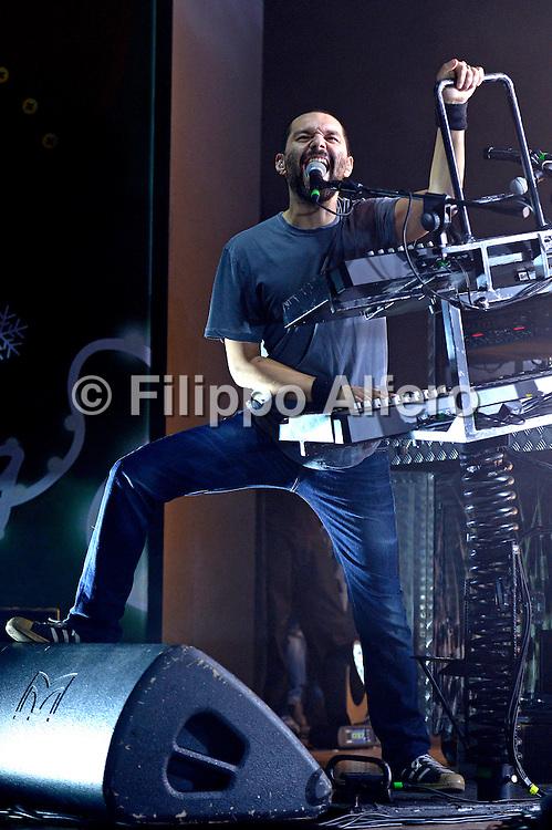 &copy; Filippo Alfero<br /> Reply Xmas 12 Milano<br /> Milano, 20/12/2012<br /> Nella foto: Boosta dei Subsonica durante il concerto