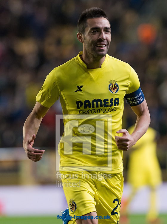 Bruno Soriano of Villarreal CF celebrates the goal of Cedric Bakambu during the UEFA Europa League quarter final match at Estadio El Madrigal, Villarreal<br /> Picture by Maria Jose Segovia/Focus Images Ltd +34 660052291<br /> 07/04/2016