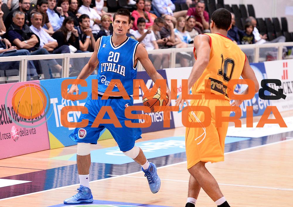 DESCRIZIONE : Trento Nazionale Italia Uomini Trentino Basket Cup Italia Belgio Italy Belgium<br /> GIOCATORE : Andrea Cinciarini<br /> CATEGORIA : palleggio<br /> SQUADRA : Italia Italy<br /> EVENTO : Trentino Basket Cup<br /> GARA : Italia Belgio Italy Belgium<br /> DATA : 12/07/2014<br /> SPORT : Pallacanestro<br /> AUTORE : Agenzia Ciamillo-Castoria/R.Morgano<br /> Galleria : FIP Nazionali 2014<br /> Fotonotizia : Trento Nazionale Italia Uomini Trentino Basket Cup Italia Belgio Italy Belgium