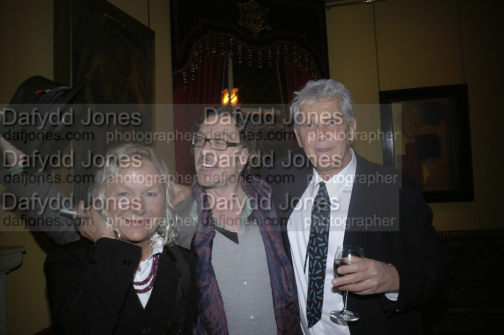 Agnes B, thierry Marlas and Andre Magnin, Party for Jean Pigozzi hosted by Ivor Braka to thank him for the loan exhibition 'Popular Painting' from Kinshasa'  at Tate Modern. Cadogan sq. London. 29 May 2007.  -DO NOT ARCHIVE-© Copyright Photograph by Dafydd Jones. 248 Clapham Rd. London SW9 0PZ. Tel 0207 820 0771. www.dafjones.com.