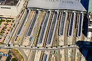 Nederland, Utrecht, Utrecht, 13-05-2019; overzicht Station Utrecht Centraal, overkappingvan de perrons.<br /> Utrecht Central Station and surroundings.<br /> <br /> luchtfoto (toeslag op standard tarieven);<br /> aerial photo (additional fee required);<br /> copyright foto/photo Siebe Swart