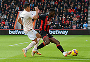 Jefferson Lerma (8) of AFC Bournemouth holds off Alexis Sanchez (7) of Manchester United during the Premier League match between Bournemouth and Manchester United at the Vitality Stadium, Bournemouth, England on 3 November 2018.
