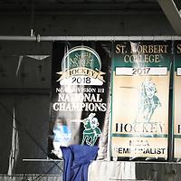 Men's Ice Hockey: St. Norbert College Green Knights vs. Milwaukee School of Engineering Raiders