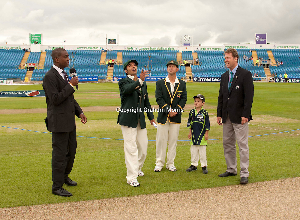 New Pakistan captain Salman Butt tosses before the second MCC Spirit of Cricket Test Match between Pakistan and Australia at Headingley, Leeds. L-r: Sky TV's Michael Holding; Salman Butt;Ricky Ponting; mascot and International Match Refferee Chris Broad. Photo: Graham Morris (Tel: +44(0)20 8969 4192 Email: sales@cricketpix.com) 21/07/10