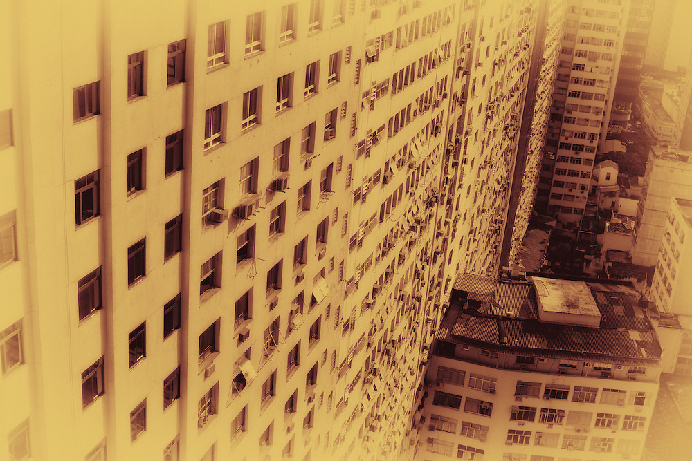 Frozen heat island. Downtown Rio de Janeiro.
