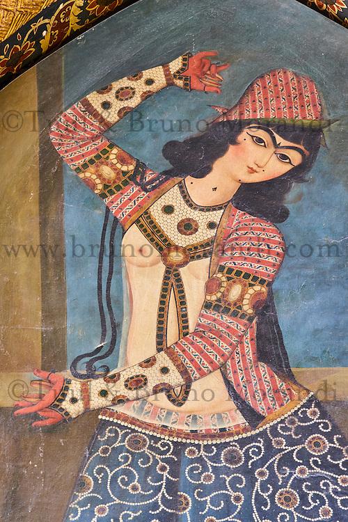 Iran, province du Fars, Shiraz, peinture Qajar // Iran, Fars Province, Shiraz, Qajar era painting, dancing girl
