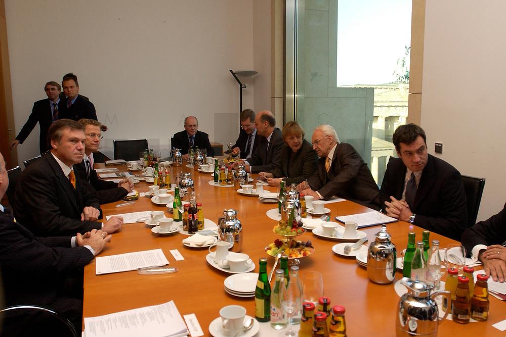 12 NOV 2003, BERLIN/GERMANY:<br /> Wolfgang Gerhardt, FDP Fraktionsvorsitzender, Guido Westerwelle, FDP Bundesvorsitzender, Volker Kauder, CDU, 1. Parl. Geschaeftsfuehrer CDU/CSU Fraktion, Christian Wulff, CDU, Ministerpraesident Niedersachsen, Laurenz Meyer, CDU Generalsekretaer, Angela Merkel, CDU Bundesvorsitzende, Edmund Stoiber, CSU, Ministerpraesidnet Bayern, und Markus Soeder, CSU generalsekretaer, (v.L.n.R.) vor Beginn eines Spitzentreffens von Politiker der CDU/CSU und der FDP, axica Kongress- und Tagungszentrum<br /> IMAGE: 20031112-01-009<br /> KEYWORDS: Opposition, Spitzengespraech, Markus Söder