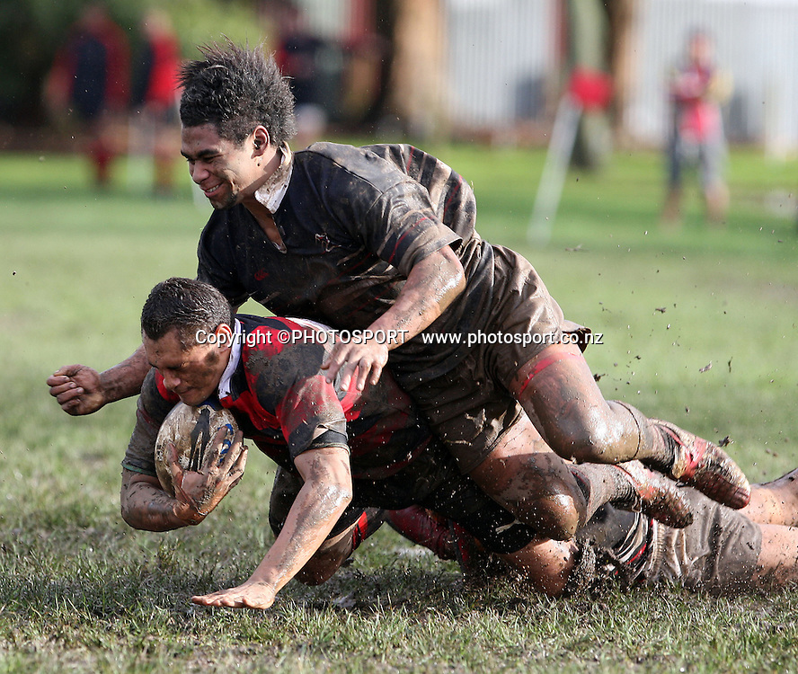 Ben Poluleuligaga is taken down, Manukau v Otahuhu, Final Score 60-8 to Otahuhu, Gallaher Shield, Club Rugby, Williams Park, 19 July 2008. Photo: William Booth/PHOTOSPORT