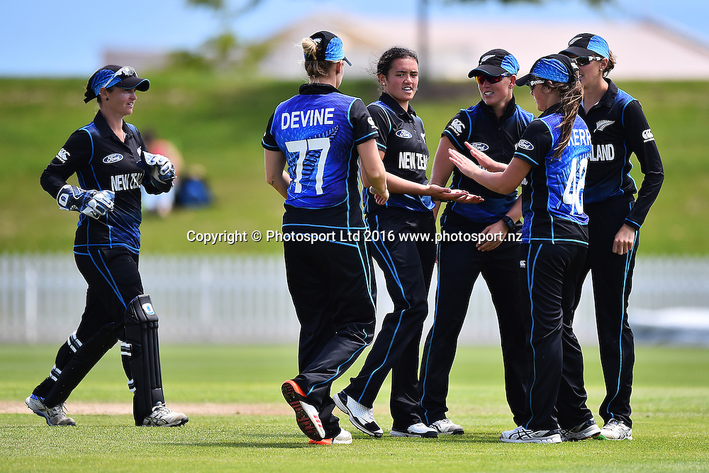 Thamsyn Newton and team celebrate a wicket during the 5th ODI match Pakistan v New Zealand White Ferns. Saxton Oval, Nelson, New Zealand. Saturday 19 November 2016. ©Copyright Photo: Chris Symes / www.photosport.nz
