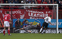 Photo. Glyn Thomas<br />Charlton Athletc v Liverpool. Barclaycard Premiership.<br />The Valley, Charlton. 28/09/2003.<br />Liverpool's Michael Owen (R) scores the controversial penalty, slotting it past Dean Kiely as Graham Stuart (L) looks on.