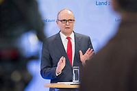 16 MAR 2017, BERLIN/GERMANY:<br /> Erwin Sellering, SPD, Ministerpraesident Mecklenburg-Vorpommern, waehrend einer Pressekonferenz nach einer Sitzung der Ministerpraesidentenkonferenz, Bundesrat<br /> IMAGE: 20170316-02-003<br /> KEYWORDS: Ministerpr&auml;sidentenkonferenz, MPK