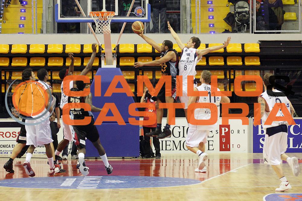 DESCRIZIONE : Biella Lega A 2008-09 Angelico Biella Solsonica Rieti<br /> GIOCATORE : Jerry Green<br /> SQUADRA : Solsonica Rieti<br /> EVENTO : Campionato Lega A 2008-2009 <br /> GARA : Angelico Biella Solsonica Rieti<br /> DATA : 15/03/2009 <br /> CATEGORIA : Tiro<br /> SPORT : Pallacanestro <br /> AUTORE : Agenzia Ciamillo-Castoria/S.Ceretti<br /> Galleria : Lega Basket A1 2008-2009 <br /> Fotonotizia : Biella Campionato Italiano Lega A1 2008-2009 <br /> Angelico Biella Solsonica Rieti<br /> Predefinita :