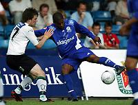 Fotball<br /> Førstedivisjon - Adeccoligaen 2005<br /> 03.07.2005<br /> Hønefoss v Pors Grenland 3-1<br /> Foto: Morten Olsen, Digitalsport<br /> <br /> Olof Hviden-Watson - Pors<br /> Håvard Karlsen - Hønefoss
