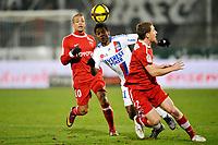 FOOTBALL - FRENCH CHAMPIONSHIP 2010/2011 - L1 - VALENCIENNES FC v OLYMPIQUE LYONNAIS - 29/01/2011 - PHOTO GUY JEFFROY / DPPI - MICHEL BASTOS (LYON)