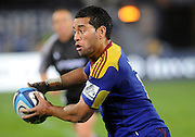 Highlanders Siale Piutau in action during the Investec Super Rugby - Highlanders v Blues,29 April 2011, Carisbrook Stadium, Dunedin, New Zealand.Photo: New Zealand. Photo: Richard Hood/www.photosport.co.nz