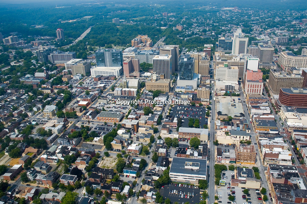 Aerial view of wilmington, Delaware,4th st, king and market, shipyard tavern district view north