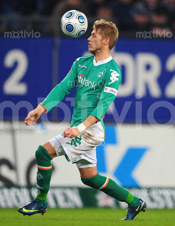 FUSSBALL   1. BUNDESLIGA   SAISON 2008/2009   14. SPIELTAG Hamburger SV - SV Werder Bremen         23.11.2008 Aaron HUNT (SV Werder Bremen) Einzelaktion am Ball