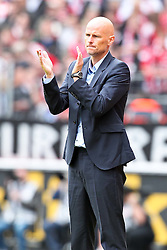 23.07.2011,  Rhein Energie Stadion, Koeln, GER, FSP, 1. FC Koeln vs Arsenal London, im Bild:  Stale Solbakken (Trainer Koeln) applaudiert...// during the friendly match, 1. FC Koeln vs Arsenal London on 2011/07/23, Rhein-Energie Stadion, Köln, Germany. EXPA Pictures © 2011, PhotoCredit: EXPA/ nph/  Mueller *** Local Caption ***       ****** out of GER / CRO  / BEL ******