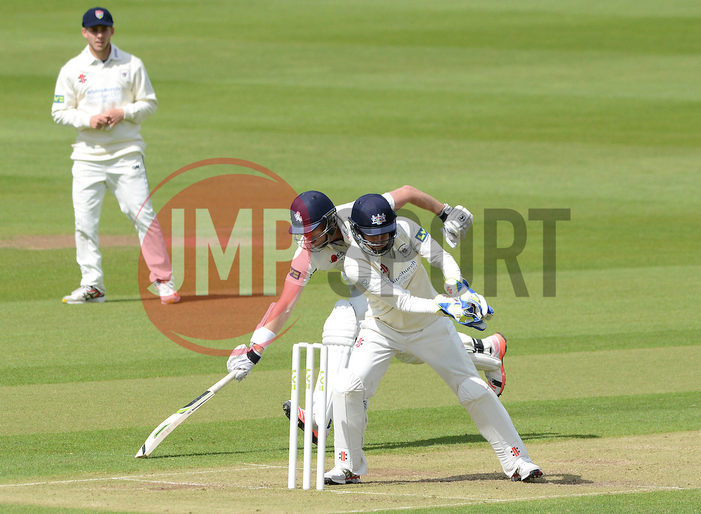 Gareth Roderick of Gloucestershire attempts to run out Calum Haggett of Kent  - Photo mandatory by-line: Dougie Allward/JMP - Mobile: 07966 386802 - 19/05/2015 - SPORT - Cricket - Bristol - County Ground - Gloucestershire v Kent - LV=County Cricket Division 2