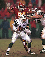 New York Jet quarterback Vinny Testaverde (16) during game action against the Kansas City Chiefs at Arrowhead Stadium in Kansas City, Missouri on November 1, 1998.