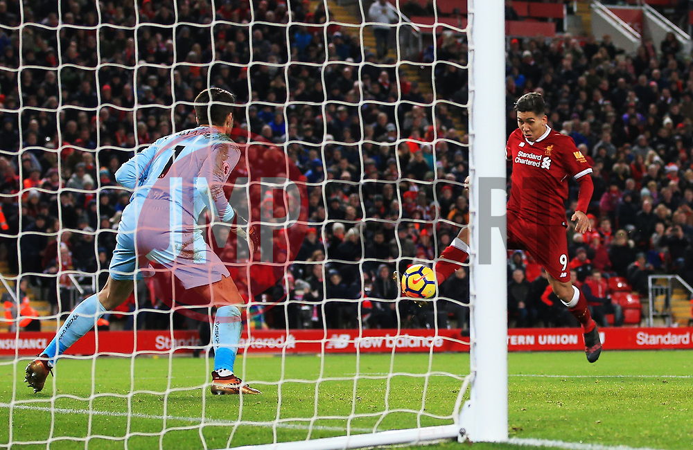 Roberto Firmino of Liverpool scores his sides second goal - Mandatory by-line: Matt McNulty/JMP - 26/12/2017 - FOOTBALL - Anfield - Liverpool, England - Liverpool v Swansea City - Premier League