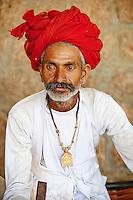 Inde, Rajasthan, village de Meda dans les environs de Jodhpur, population Rabari, Sataram, 43 ans // India, Rajasthan, Meda village around Jodhpur, Rabari ethnic group, Sataram, 43 old