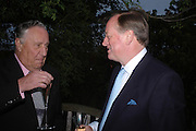 Frederick Forsyth and Andrew Parker-Bowles. Cartier dinner after thecharity preview of the Chelsea Flower show. Chelsea Physic Garden. 23 May 2005. ONE TIME USE ONLY - DO NOT ARCHIVE  © Copyright Photograph by Dafydd Jones 66 Stockwell Park Rd. London SW9 0DA Tel 020 7733 0108 www.dafjones.com