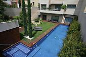 Modern Pool 138