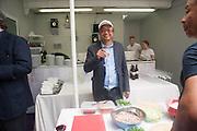 RIRKRIT TIRAVANIJA, Bloomberg Venice Conversations, Siddhartha Mukherjee, Rirkrit Tiravanija and Tomas Vu Daniel cook lunch for Sarah Sze. Palazzo Peckham. Venice. Venice Bienalle. 31 May 2013