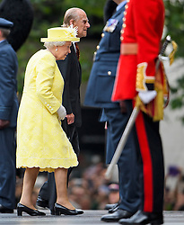 © Licensed to London News Pictures. 10/06/2016. London, UK. HRH QUEEN ELIZABETH II and PRINCE PHILIP, DUKE OF EDINBURGH arrive. Members of the British Royal Family arrive for a service of thanksgiving to mark the 90th birthday of Queen Elizabeth II, held at St Paul's Cathedral in London. Photo credit: Ben Cawthra/LNP