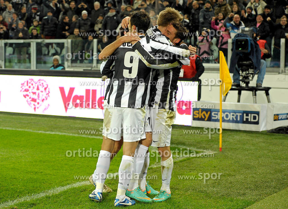 01.12.2012, Juventus Stadion, Turin, ITA, Serie A, Juventus Turin vs FC Turin, 15. Runde, im Bild Claudio Marchisio celebrates scoring Celebration Goal, Esultanza Claudio Marchisio dopo il gol // during the Italian Serie A 15th round match between Juventus FC and Torino FC 1906 at the Juventus Stadium, Turin, Italy on 2012/12/01. EXPA Pictures © 2012, PhotoCredit: EXPA/ Insidefoto/ Filippo Alfero..***** ATTENTION - for AUT, SLO, CRO, SRB, BIH and SWE only *****