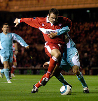 Fotball<br /> UEFA Cup 2004/2005<br /> Foto: SBI/Digitalsport<br /> NORWAY ONLY<br /> 04.11.2004<br /> <br /> Middlesbrough v Lazio<br /> <br /> Middlesbrough's Mark Viduka finds himself held up in the Lazio penalty area.