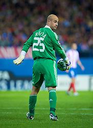 MADRID, SPAIN - Wednesday, October 22, 2008: Liverpool's goalkeeper Pepe Reina in action against Club Atletico de Madrid during the UEFA Champions League Group D match at the Vicente Calderon. (Photo by David Rawcliffe/Propaganda)