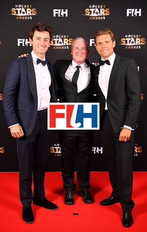 BERLIN, GERMANY - FEBRUARY 05:  Arthur van Doren  and Vincent Vanasch of Belgium pose for a picture with (center) Shane Mcleod of New zealand during the Hockey Star Awards night at Stilwerk on February 5, 2018 in Berlin, Germany.  (Photo by Stuart Franklin/Getty Images For FIH)
