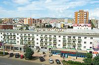 Mongolie, Oulan Bator, Peace Avenue, Centre ville. // Mongolia, Ulan Bator, Peace Avenue, City centre.