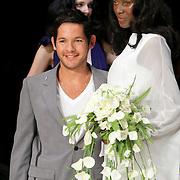 NLD/Amsterdam/20080724 - Modeshow Percy Irausquin tijdens de AIFW 2008, Percy met model
