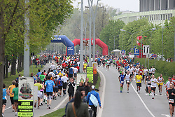 15.04.2012, Wien, AUT, Vienna City Marathon 2012, im Bild Wendestelle beim Ernst Happel Stadion  // during the Vienna City Marathon 2012, Vienna, Austria on 15/04/2012,  EXPA Pictures © 2012, PhotoCredit: EXPA/ Stephan Woldron
