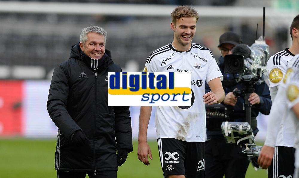 Fotball Menn Tippeligaen Rosenborg - Viking<br /> Lerkendal Stadion, Trondheim<br /> 24 april 2016<br /> <br /> Rosenborgs trener K&aring;re Ingebrigtsen (V) og Holmar &Ocirc;rn Eyjolfsson g&aring;r meget glade av banen etter kampen<br /> <br /> <br /> Foto : Arve Johnsen, Digitalsport