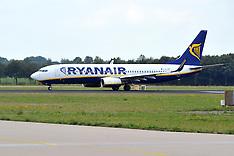 JUL 312014 Ryanair Boeing 737-800