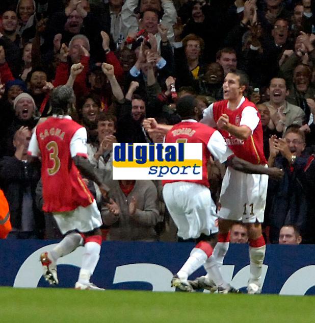 Photo: Ed Godden/Sportsbeat Images.<br /> Arsenal v Sevilla. UEFA Champions League Group H. 19/09/2007. Arsenal's Robin Van Persie (far right), celebrates his goal.