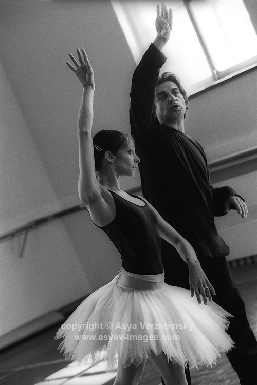 Alexander Agadzhanov rehearsing Roberta Marquez for her debut as Odette Odile in Swan Lake on the Royal Ballet's tour to Russia. Mariinsky Theatre, St. Petersburg<br />