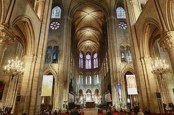A Catedral de Notre-Dame de Paris é uma das mais antigas catedrais francesas em estilo gótico. Iniciada sua construção no ano de 1163, é dedicada a Maria, Mãe de Jesus Cristo (daí o nome Notre-Dame – Nossa Senhora), situa-se na praça Parvis, na pequena ilha Île de la Cité em Paris, França, rodeada pelas águas do Rio Sena. FOTO: Jefferson Bernardes/ Agência Preview