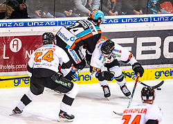 19.01.2020, Keine Sorgen Eisarena, Linz, AUT, EBEL, EHC Liwest Black Wings Linz vs Moser Medical Graz 99ers, 42. Runde, im Bild v.l. Joakim Hillding (Moser Medical Graz 99ers), Josh Roach (EHC Liwest Black Wings Linz), Trevor Hamilton (Moser Medical Graz 99ers) // during the Erste Bank Eishockey League 42th round match between EHC Liwest Black Wings Linz and Moser Medical Graz 99ers at the Keine Sorgen Eisarena in Linz, Austria on 2020/01/19. EXPA Pictures © 2020, PhotoCredit: EXPA/ Reinhard Eisenbauer