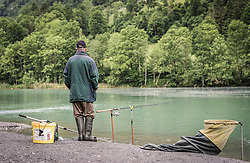 THEMENBILD - ein Fischer steht am Ufer des Klammsees. Er hat die Angel ausgeworfen, aufgenommen am 10. Juni 2019, Kaprun, Österreich // a fisherman stands on the shore of the Klammsee. He has cast out the fishing rod on 2019/06/10, Kaprun, Austria. EXPA Pictures © 2019, PhotoCredit: EXPA/ Stefanie Oberhauser