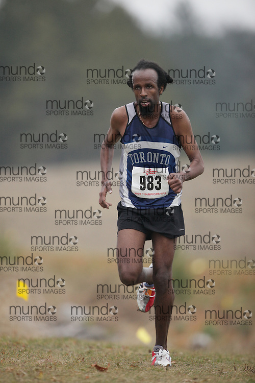 King City, Ontario ---09-11-15--- Selam Yohannes of the University of Toronto TC competes at the Athletics Ontario Cross Country Championships in King City, Ontario, November 16, 2009..GEOFF ROBINS Mundo Sport Images